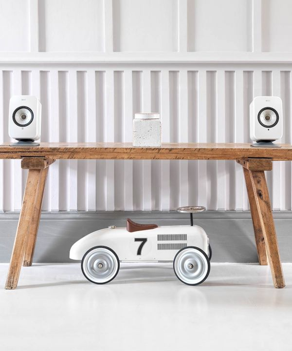 KEF Speaker Desk Stand for LSX Wireless Speakers in white. Table top speaker stand with white speakers.